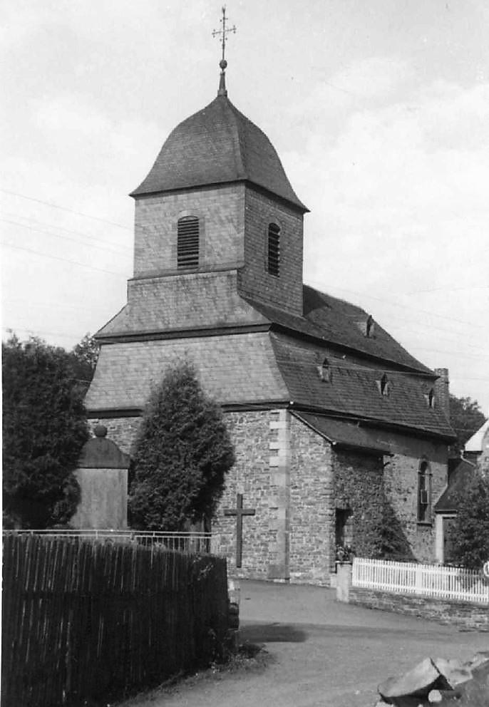 Kirche nach dem Anbau des Kirchturms
