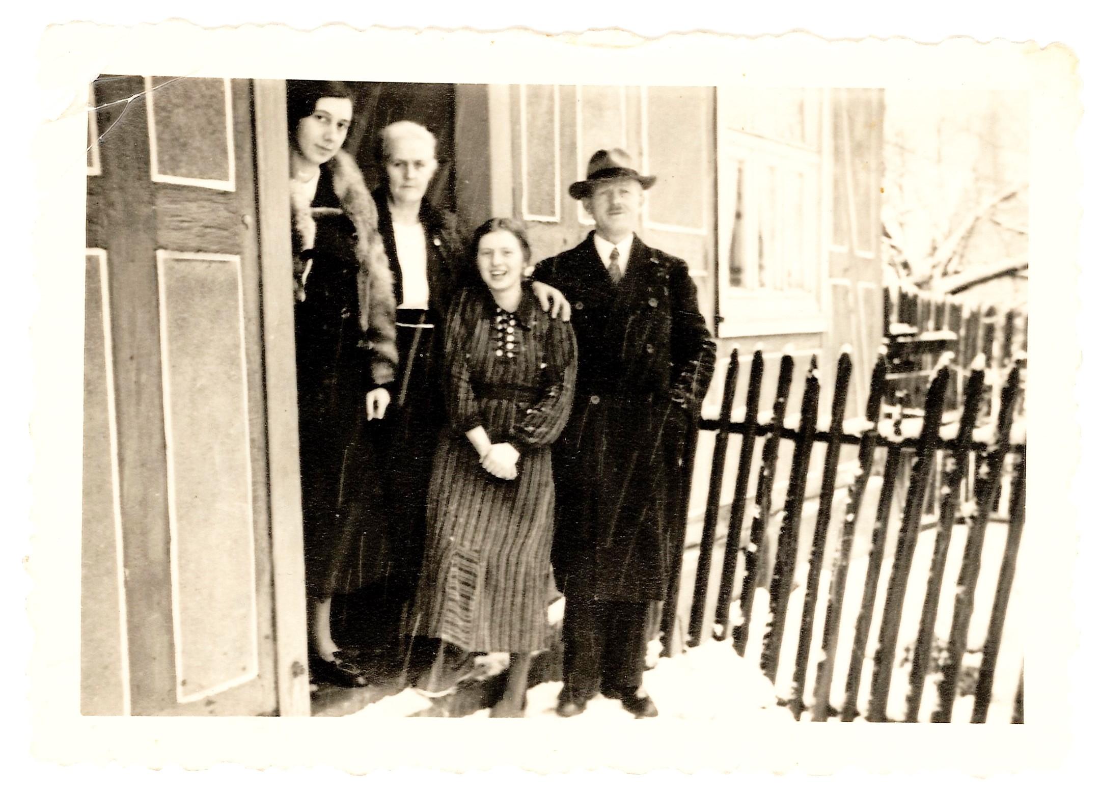1940 Walmenhuses in der Haustür