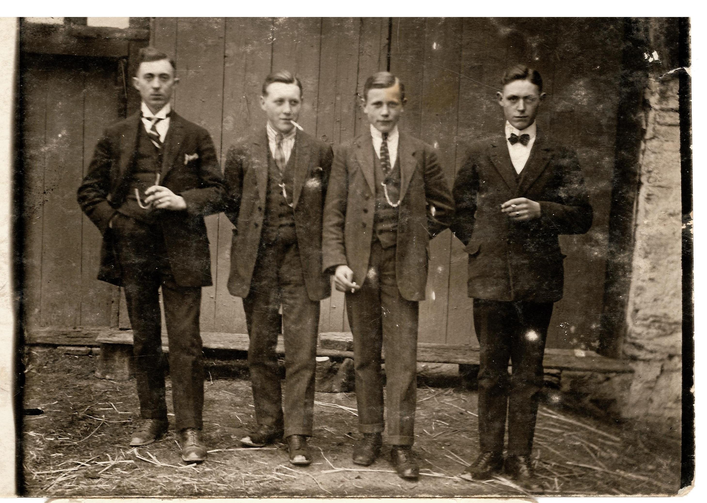 Mitglieder der Familie Aufmhoff 1920